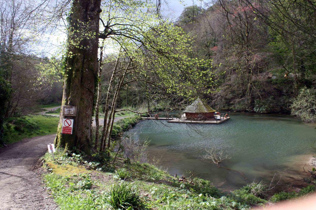 Morval house lake